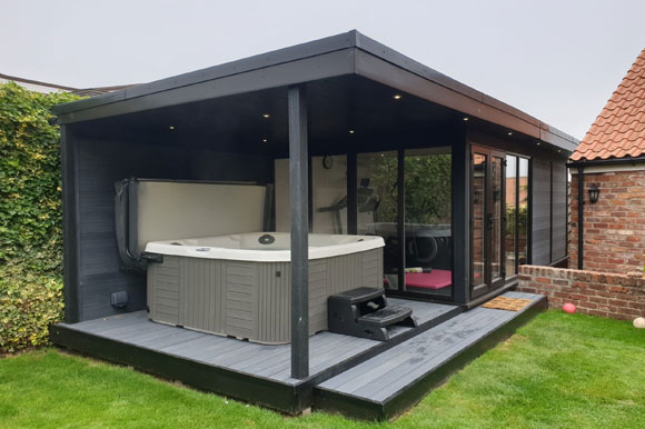 Relaxing Garden Room Hot Tub Retreat Birmingham